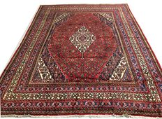 Splendid Persian palace rug: Sarough 345 x 265 cm circa 1970.