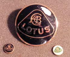 3 original Lotus Esprit car emblems - No reproductions