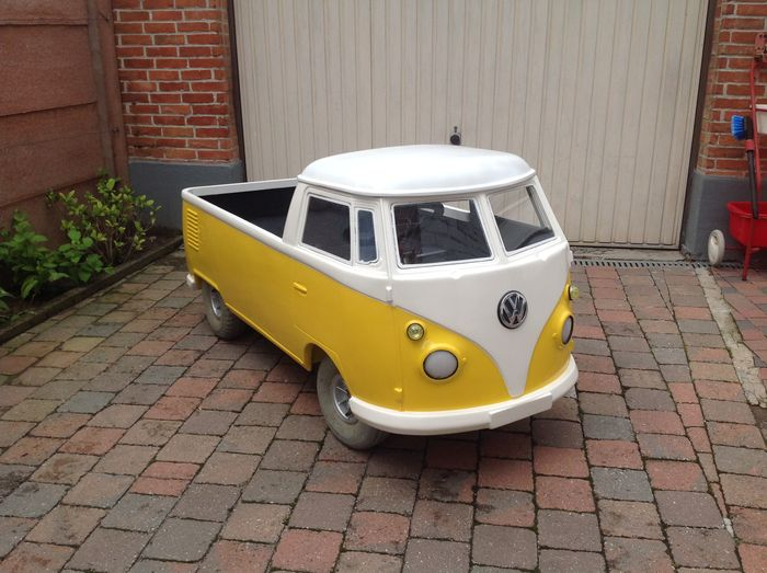 Volkswagen T1 Pick-up - Electric powered model 24V - colour yellow white - 175 x 75 x 80 cm