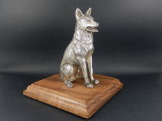 Original Vintage Chrome Car Mascot German Shepherd Mascot Measures 10.5 cm in height and 6 cm in length and 10 cm x 10 cm Base