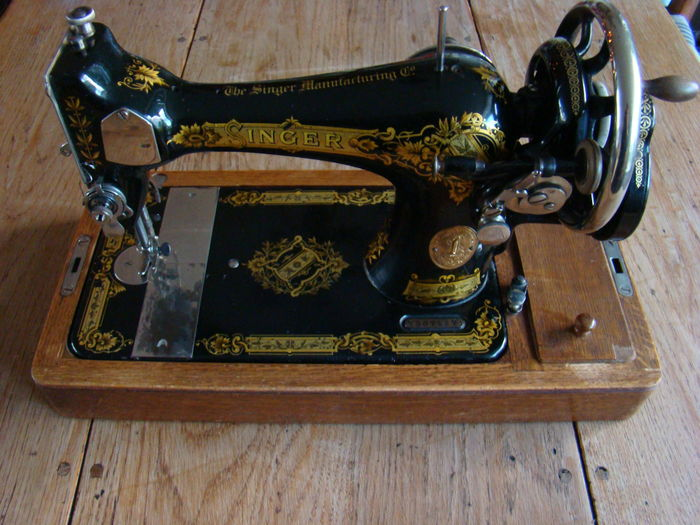 Singer Sewing Machine With Wooden Lid 40 Catawiki Amazing 1921 Singer Sewing Machine