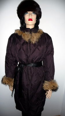 Calmo - water resistant winter coat with racoon fur collar.
