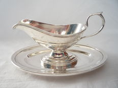 Silver plated sauce bowl with tray, Wellner, Germany, ca. 1930