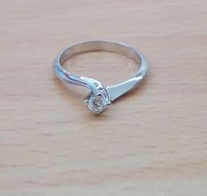 White gold ring with 0.35 ct natural diamond (H/VS)
