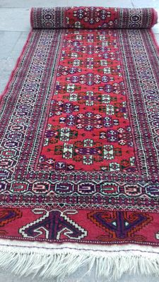 Original Russian carpet. Hand-knotted.
