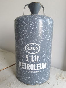 Esso - petroleum can 5 ltr ned octr.69589. - 33 cm high - Ca 1950/60.