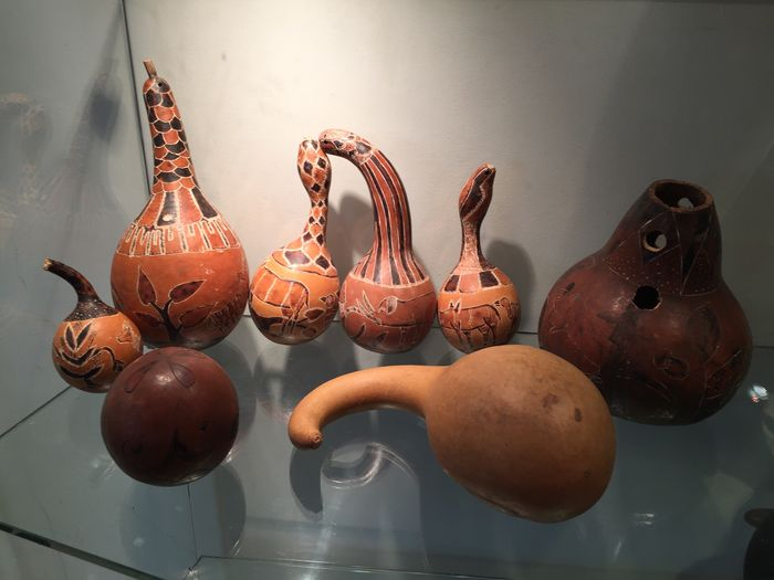 Lot of 8 decorative gourds in calabash - Ex. Belgian Congo
