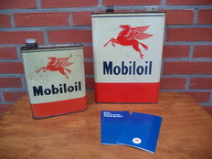 Mobiloil - Pegasus - Oil tins / Oil tin and booklets