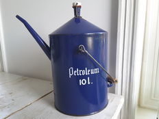 Petroleum jug - 10 litres blue Enamel - size, diameter 22.5 cm, high 39 cm - mid 20th century.