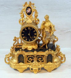 Gold-plated French mantle clock in marble, bronze and copper – 19th century
