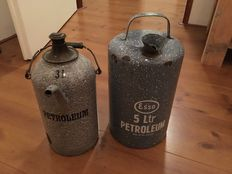 ESSO petroleum oil can 5 litre 32cm high enameled gray & Petroleum oil can 3 litre 28 cm high enameled