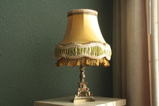 'Downton Abbey' lamp with silk lampshade  - 20th century