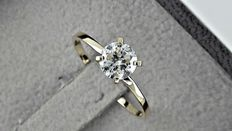 0.70 ct round diamond ring 14K yellow gold *** no reserve price ***