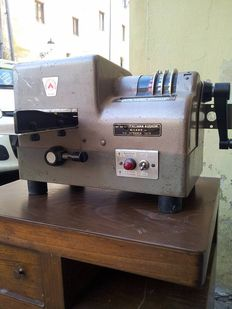 Electric postage meter from the 50s/60s in iron