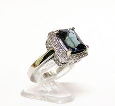 Gold 14 kt/585 cocktail ring with tanzanite (approx. 3.84 ct) in cushion cut and 64 diamonds totalling 0.45 ct (G, SI1)
