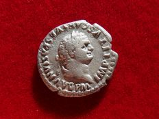 Roman Empire - Titus (79 - 81 A.D.) silver denarius (3,00 grs. 19 mm.). Rome mint, january-july 80 A.D. TR P IX IMP XV COS VIII P P, dolphin coiled around anchor.