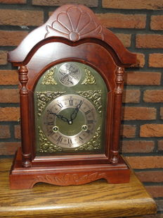 Table clock Tempus Fugit approx 1970