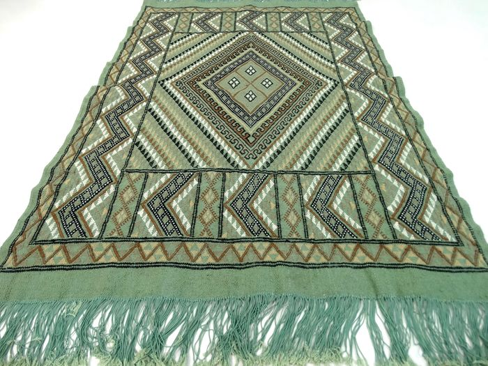 kilim berb re 177 x 122 cm tapis vert menthe 100 laine et en bel tat remarque pas. Black Bedroom Furniture Sets. Home Design Ideas