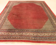 Magnificent, handwoven Persian palace carpet, Sarough Mir, 250 x 320 cm. Made in Iran, best highland wool from around 1970/1980, very good