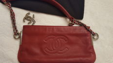 Chanel - Evening bag with chain