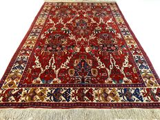 Heriz - 322 x 222 cm - Large Persian carpet with detailed patterns - Eye catcher in beautiful, virtually unused condition