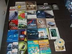 "Keychain Renault 1970s and 19 Renault magazines/brochures/price lists and promotional ""x-ray pictures"""