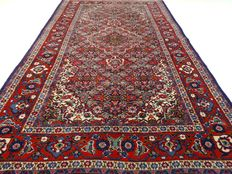 """Sarough – 211 x 128 cm. – """"Persian rug in beautiful, almost unused condition"""" – Please note! No reserve price: starts at €1"""