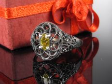 Old engagement ring in 8 kt / 333 silver with spinel