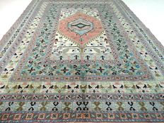 "Berber – 234 x 173 cm – ""Carpet in pastel shades – Beautiful condition"" – Please note! No reserve: starts at €1"
