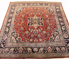 Beautiful old Persian carpet Sarough Saruk 305 x 340 cm, made in Iran at the end of the 20th century, in very good condition