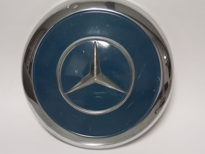 Mercedes benz hubcaps 24 5 cm diameter 1960s 1970s for Mercedes benz hubcaps
