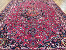 Wonderfully beautiful Persian carpet Kashmar/Iran, 320 x 228 cm. End of 20th century. EXCELLENT quality - mint condition