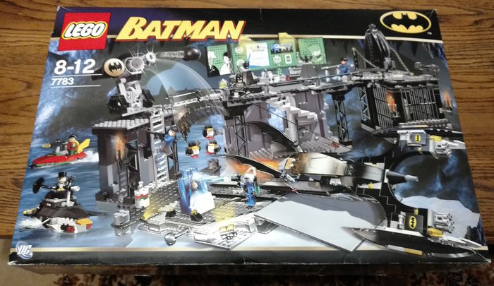 Batman - 7783 - The Batcave: The Penguin and Mr. Freeze's Invasion