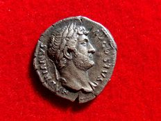 Roman Empire - Hadrian (117-138 A.D.) silver denarius (3,37 g. 18 mm.). Rome mint, 125-128 A.D. COS.III. Victory seated.