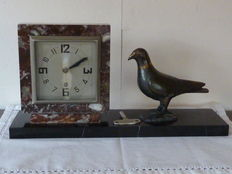 Art Deco clock with bronze pigeon, 1st part 20th century