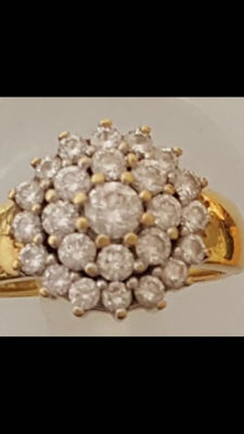 18kt Yellow Gold with Sparkling 1 Carat VVS2 / G