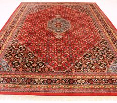 Distinguished hand-woven oriental carpet, Indo Bidjar Herati 250 x 355 cm, made in India at the end of the 20th century, very good