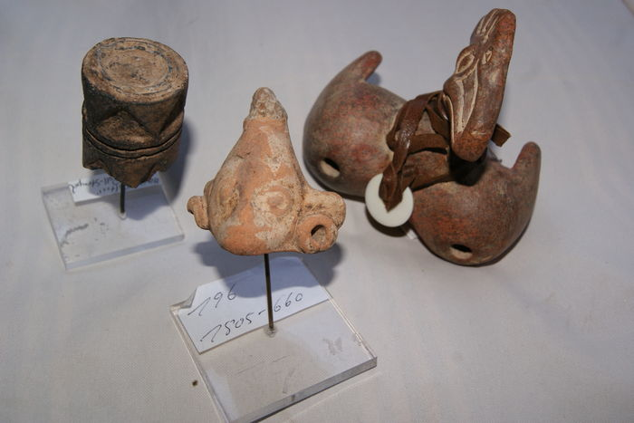 Three objects Ocarina Mayan cultures - (3)