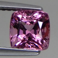 Spinel - 1,55 ct