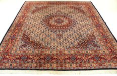 Royal hand-knotted Persian carpet, Moud Mut medallion, 218 x 245 cm, made in Iran around 1990