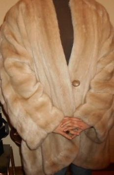 White synthetic mink style faux fur