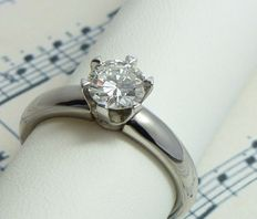 Diamond solitaire ring, 0,92 carat,  18 carat white gold, NEW
