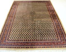 Beautiful hand-knotted oriental carpet, Sarough Mir, 178 x 240 cm, made in India at the end of the 20th century