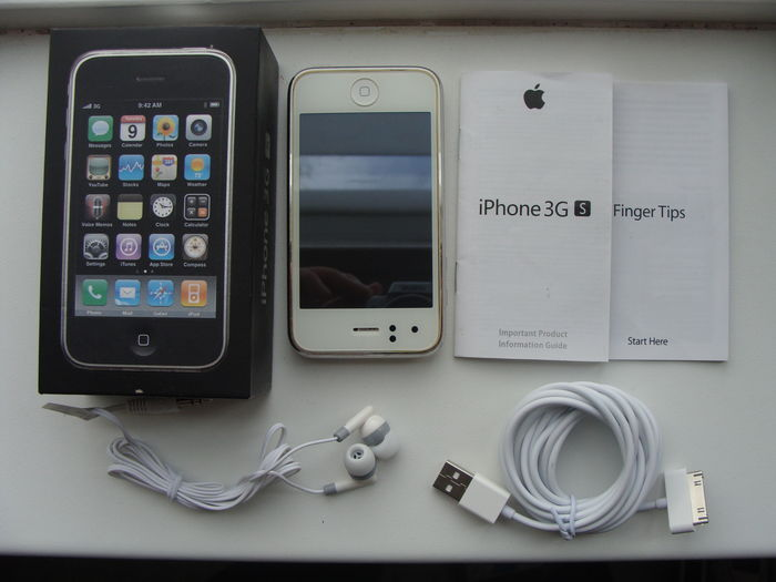apple iphone 3gs white 16gb in box with usb cable manuals and rh auction catawiki com iphone 5c 8gb manual apple iphone 4s 8gb manual