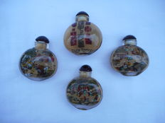 Four beautiful snuff bottles painted on the inside - China - late 20th century