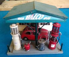 Halco Oil petrol station model
