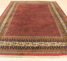 Beautiful hand-knotted oriental carpet, Sarough Mir, 252 x 345 cm, made in India at the end of the 20th century