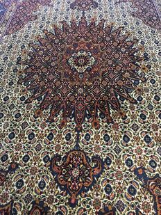Beautiful, hand knotted, original, Persian Moud with plant-based colours! Approx. 200 x 305 – in very good condition - fast, free shipping!