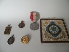 ANWB Membership collection - 100 year anniversary ANWB, 1983 and others, medals/badges