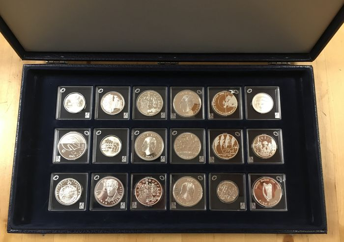 Europe - Collection of 18 pieces of silver Euro coins 2004/2006 in cassette